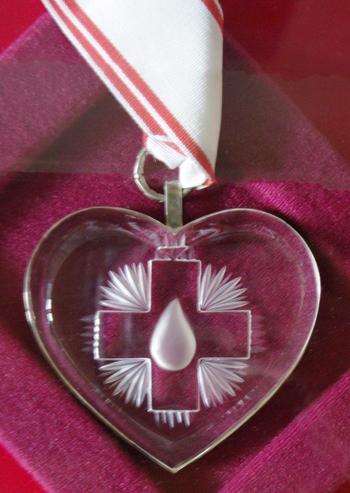 https://krwiodawcy.org/wp-content/uploads/2010/12/kryszta%C5%82owe-serce.jpg