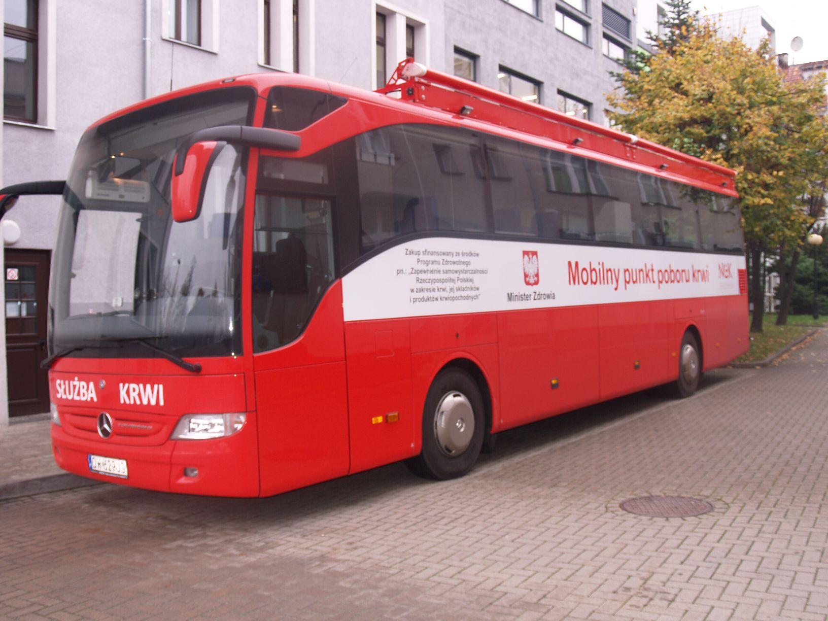 Mobilny punkt poboru krwi fot. wroclaw.pl